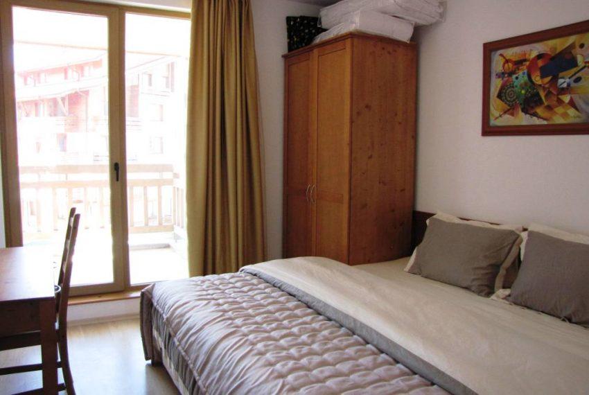 3 bedroom 3 bathroom apartment in St John Park Bansko