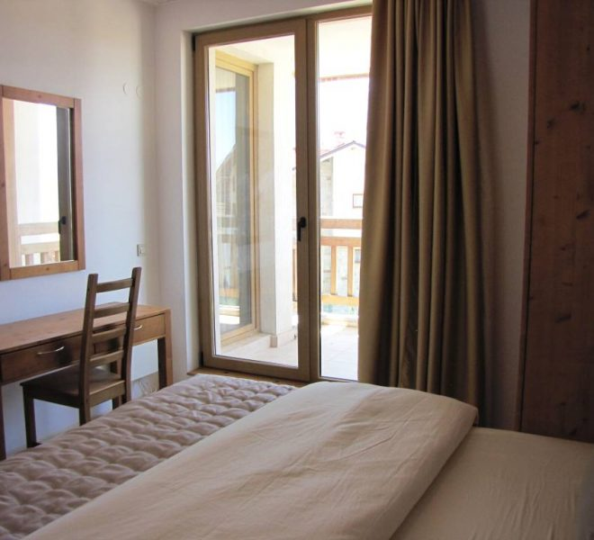 PBA1250 3 bedroom 3 bathroom apartment in St John Park Bansko